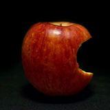 かじられたりんご